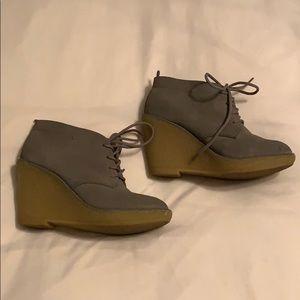 Grey wedge bootie